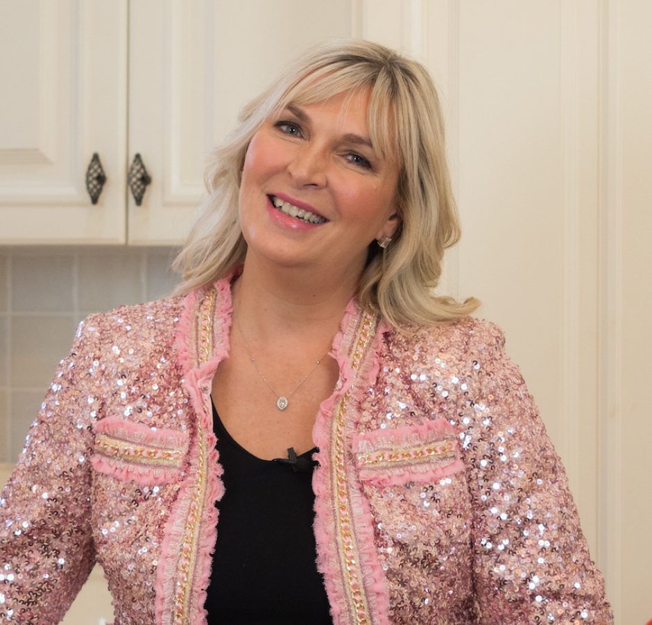 Lisa Dixon Square Profile_pinksparkle